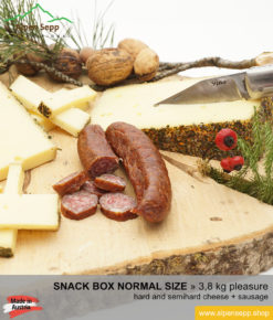 Snack box normal size - cheese and sausage